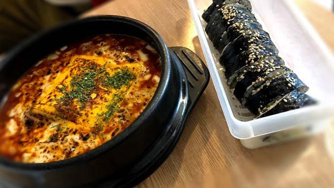 クトンネトッポッキのキンパとチーズラポッキは弘大NO.1