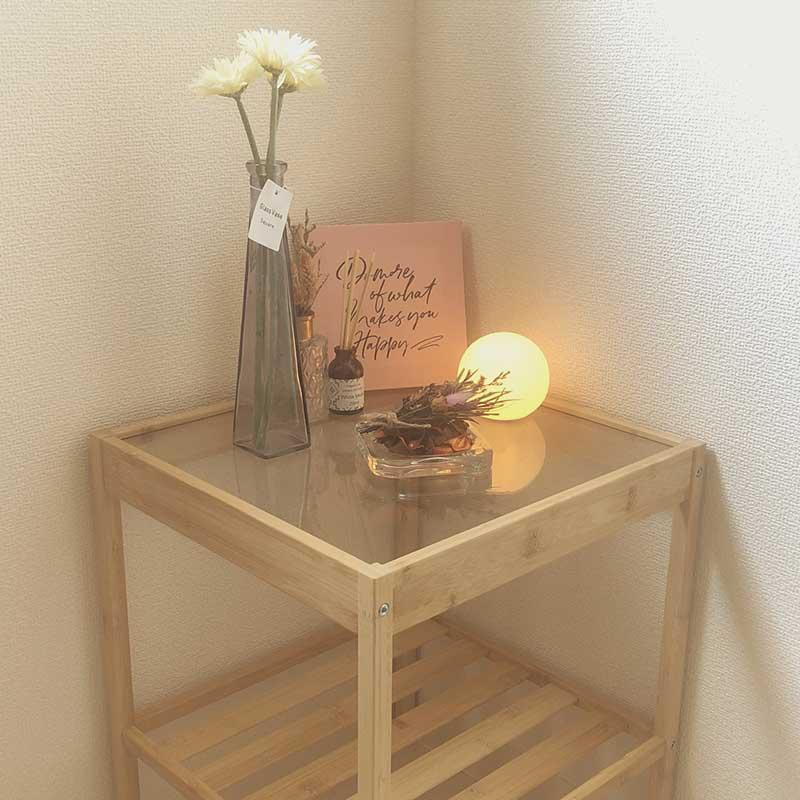 ikeaのサイドテーブルと照明で韓国風インテリア